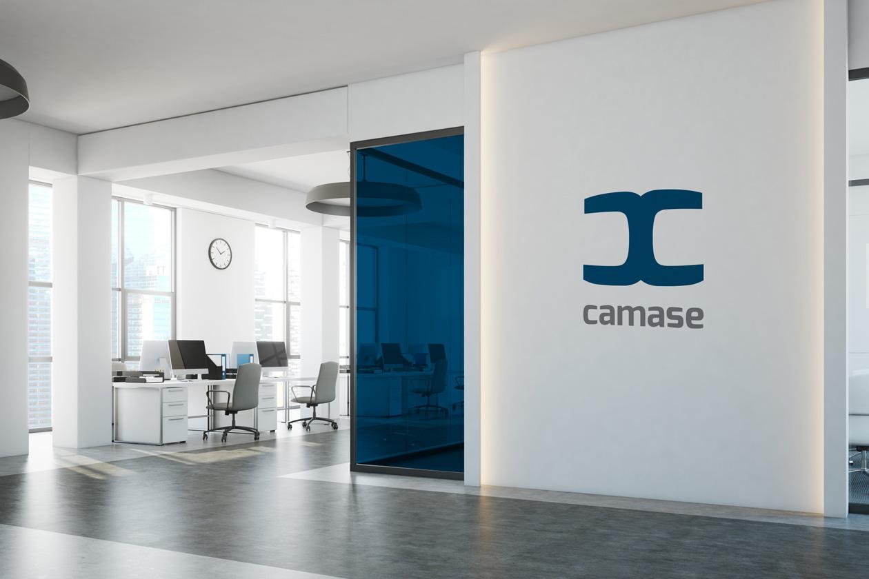 logo branding camase 11